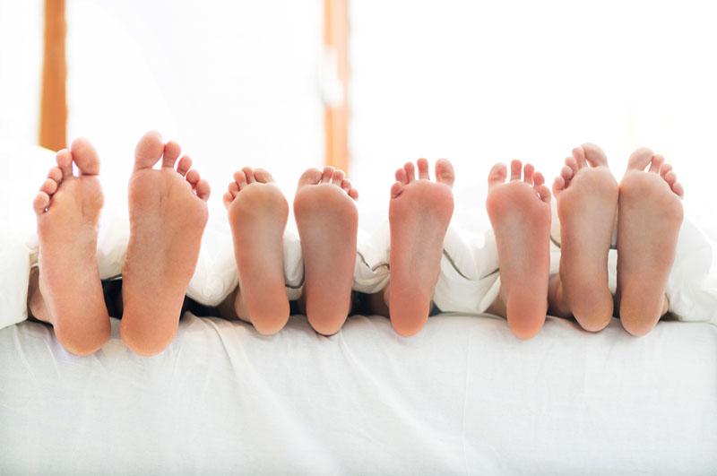 gezin in bed