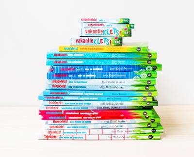 gezinnig_kletsboeken_stapel