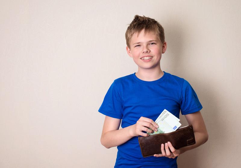 kind met portemonnee