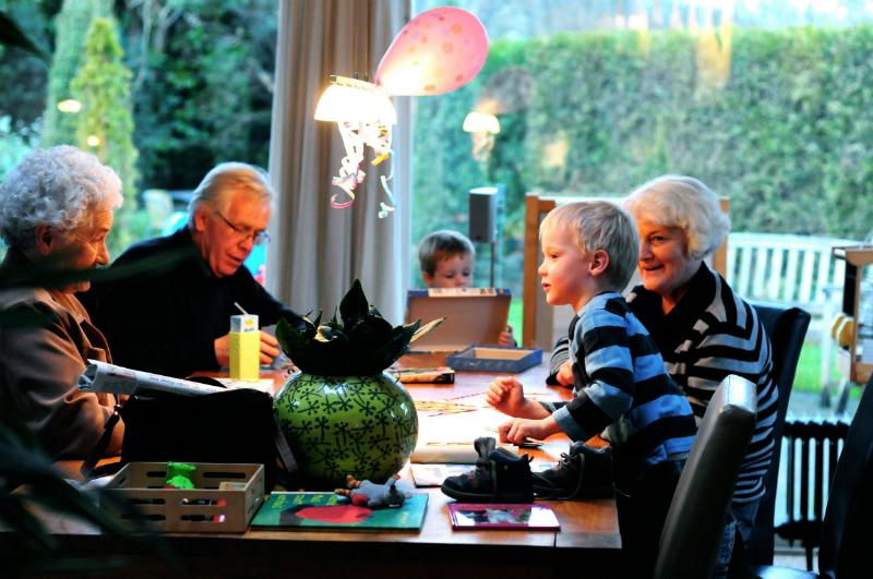 1 gezin-aan-tafel-800px