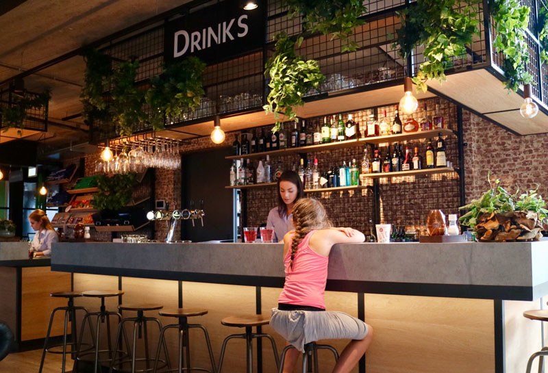 bar guesthouse hotel kaatsheuvel
