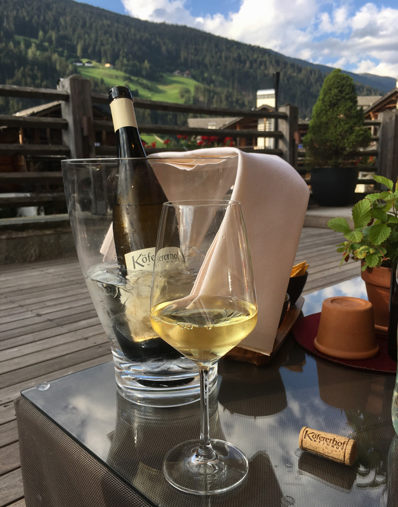 wijn Hotel Post Alpina