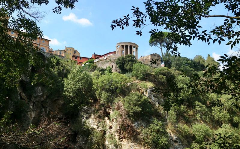 Villa Gregoriana tempel