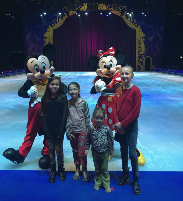 Jo-en-Co-Disney-On-Ice-1