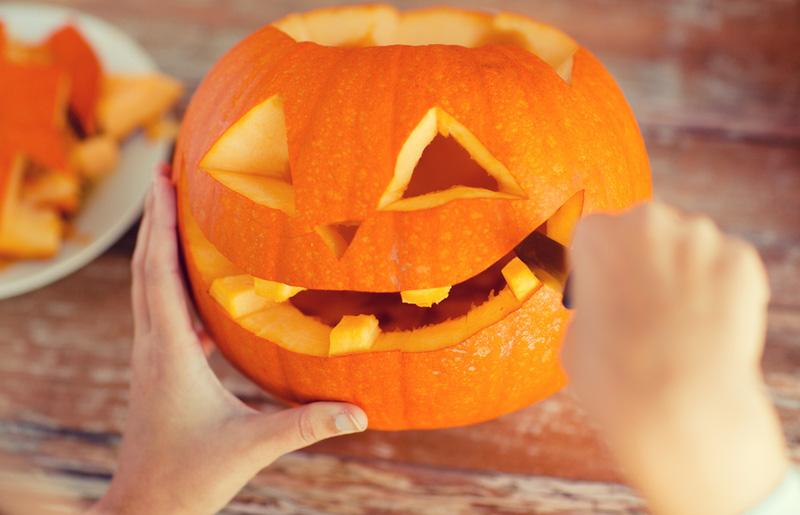 pompoen uithollen halloween