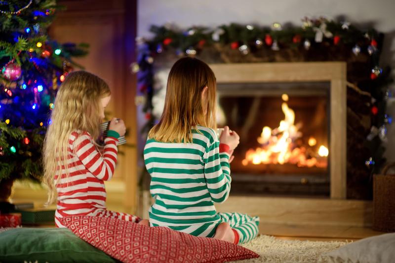 thuis pyjama oudejaarsavond