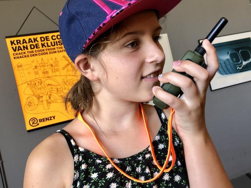 renzy familietour walkie talkie