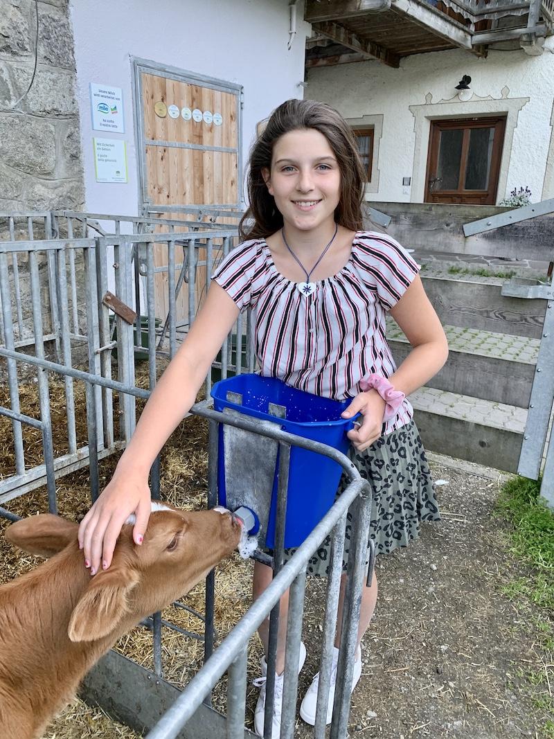 vakantieboerderij kalf melk geven