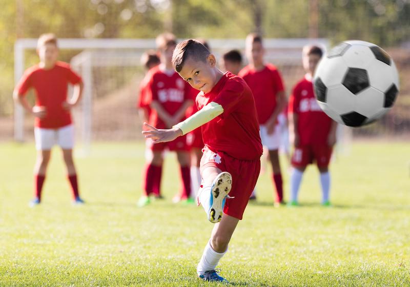 voetbal nodig kind