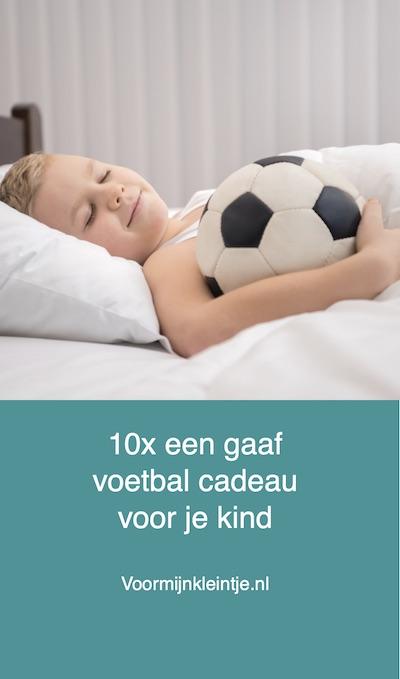 kinderen cadeautje voetballen
