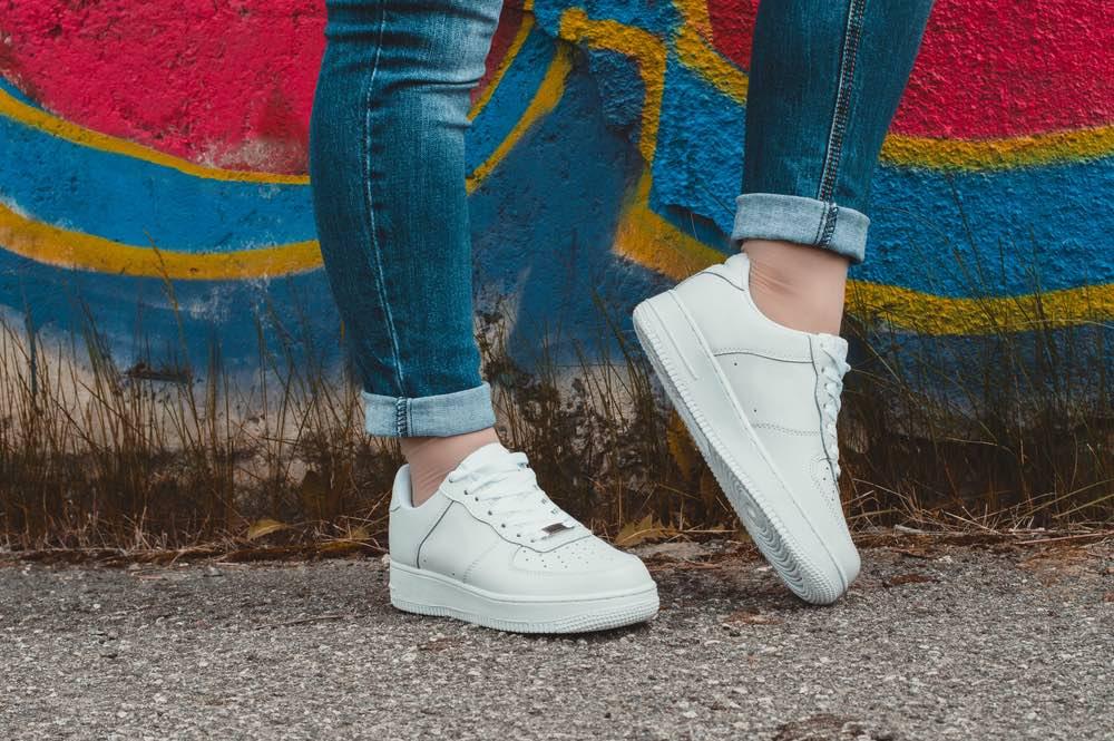 tiener sneaker meisje